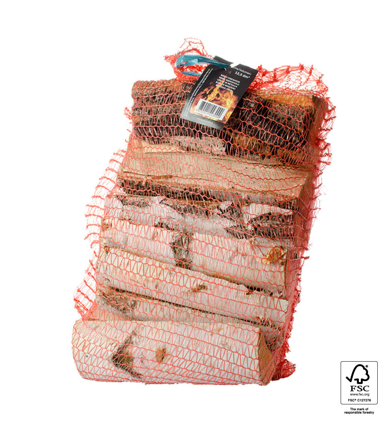 Brezova drva v mrežasti vreči