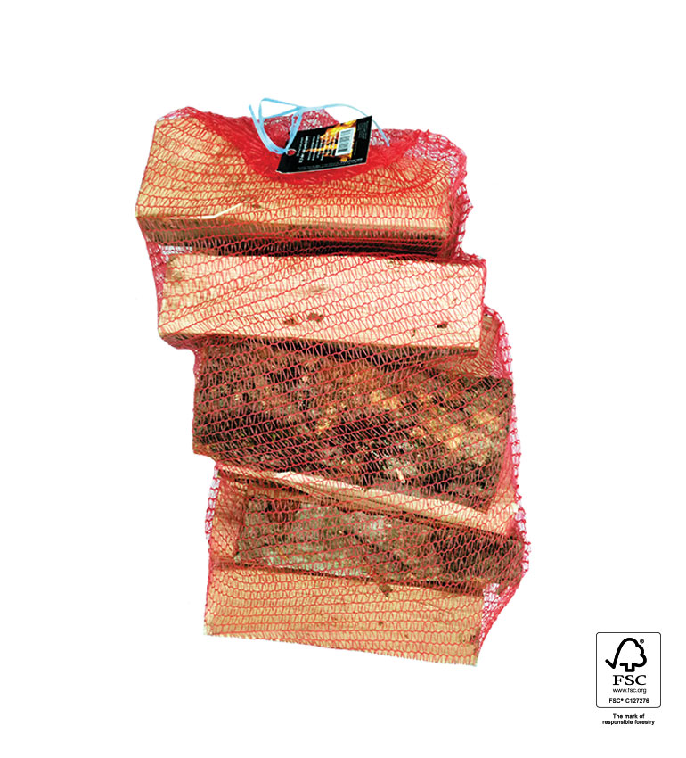 Bukova drva v mrežasti vreči